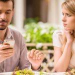 12 Tanda Suami Bosan dengan Istri