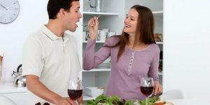 Ilustrasi cara membahagiakan suami