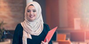 Ilustrasi cara berpenampilan menarik dengan hijab