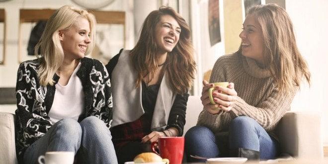 Ilustrasi kumpul bersama teman