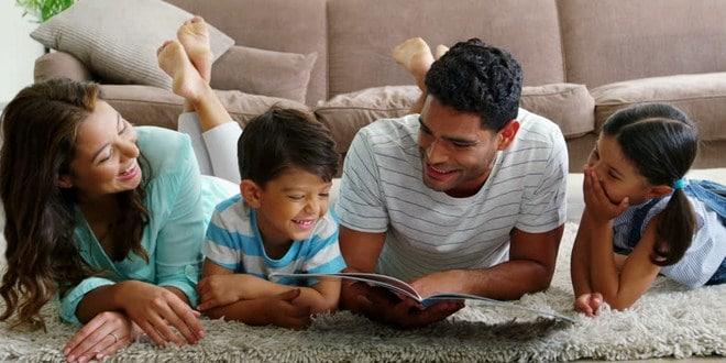 Membaca buku bareng anak