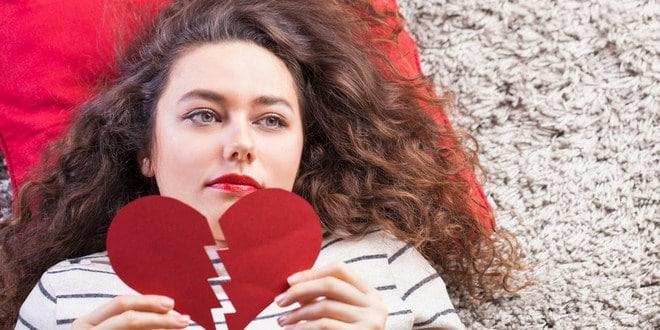 Ilustrasi cara mengatasi patah hati ditinggal nikah