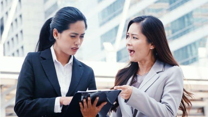cara menghadapi teman kerja yang mau menang sendiri