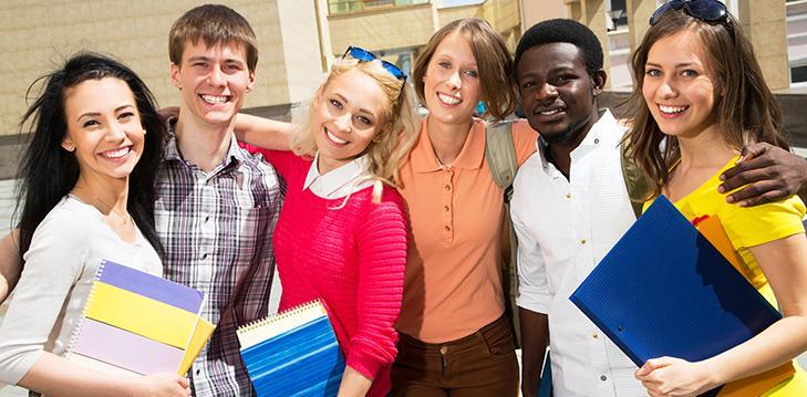 Ilustrasi alumni mahasiswa di luar negeri